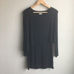 Dresses & Skirts - 🎈FREE! Black long sleeve dress size small